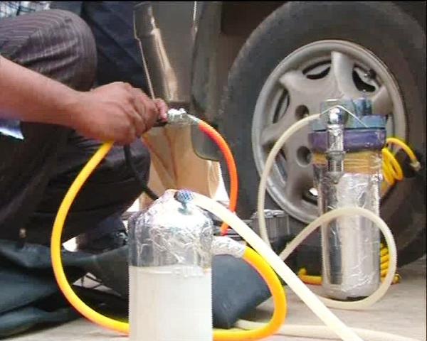 Agha Waqar water fuel kit